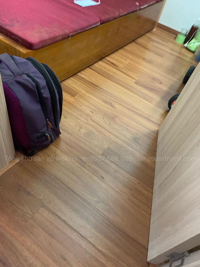 Thi công sàn gỗ Kronomax 12mm 12