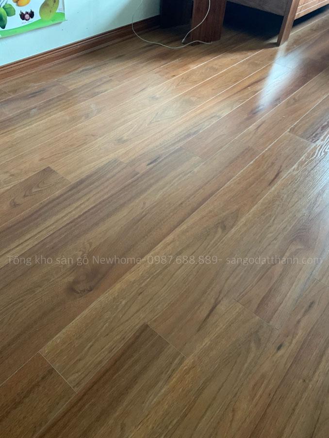 Thi công sàn gỗ Kronomax 12mm 14
