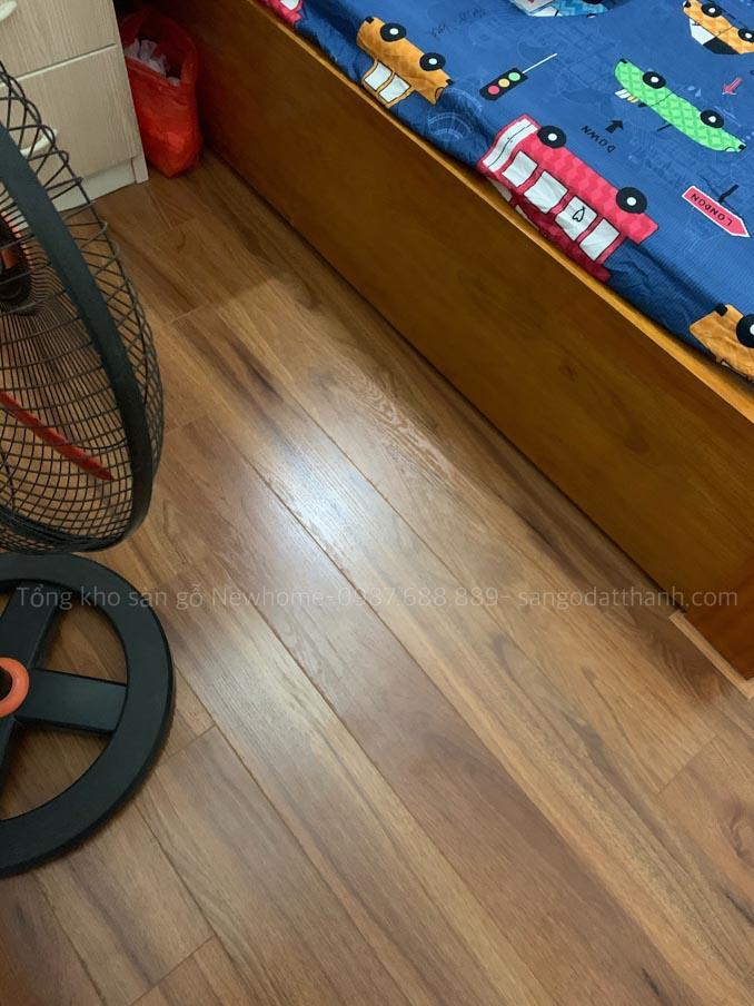 Thi công sàn gỗ Kronomax 12mm