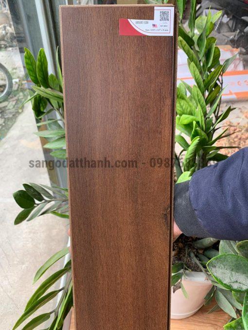 Sàn gỗ Moonfloor 8mm 8002